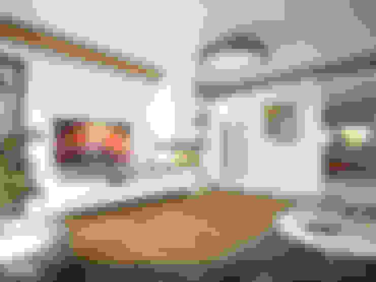 Wohnzimmer von Biuro Projektów MTM Styl - domywstylu.pl