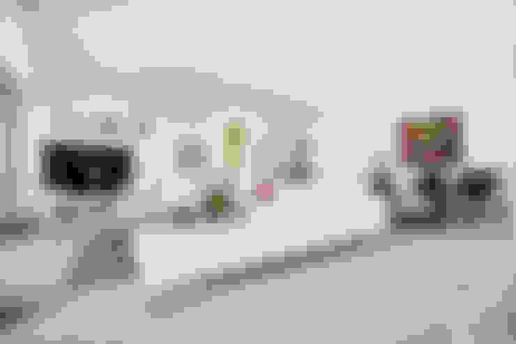 Sala: Salas / recibidores de estilo  por Carughi Studio