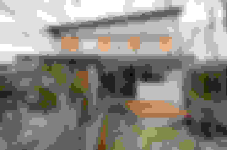 Casas de estilo  de バウムスタイルアーキテクト一級建築士事務所