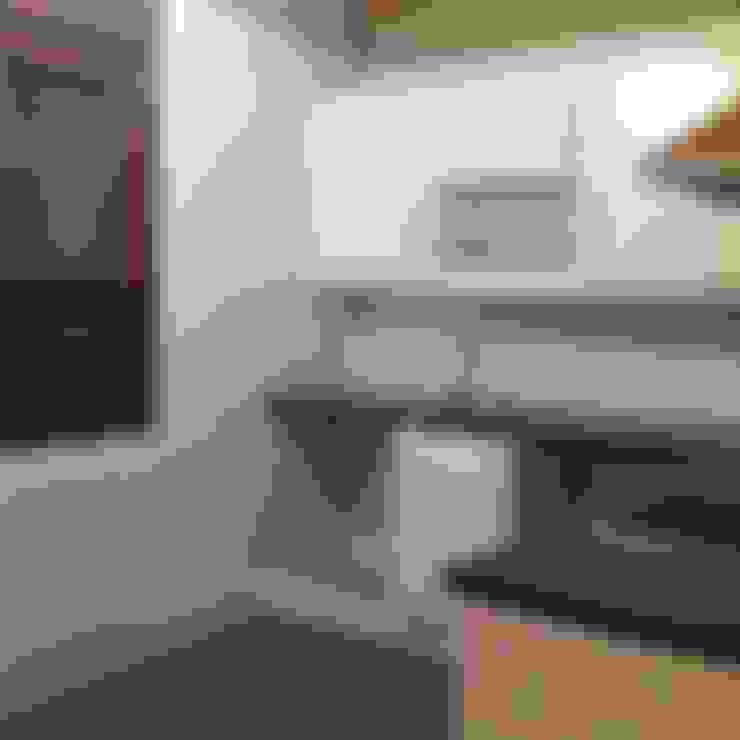 Kitchen by MODULAR HOME
