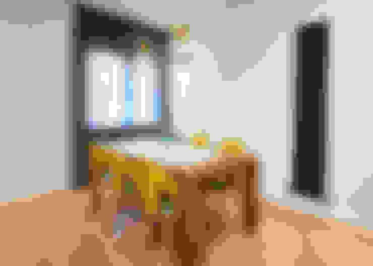 Salas / recibidores de estilo  por Dimensi-on