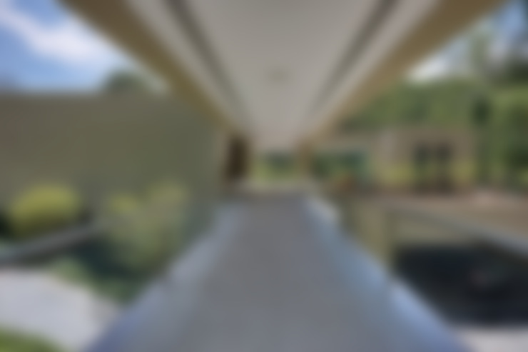 Corridor and hallway by Lanza Arquitetos
