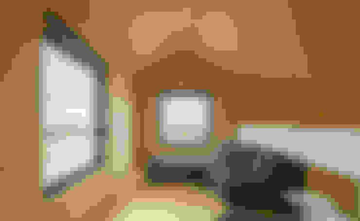 Salas / recibidores de estilo  por MapOut