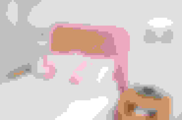 Dormitorios de estilo  por Dupere Interior Design