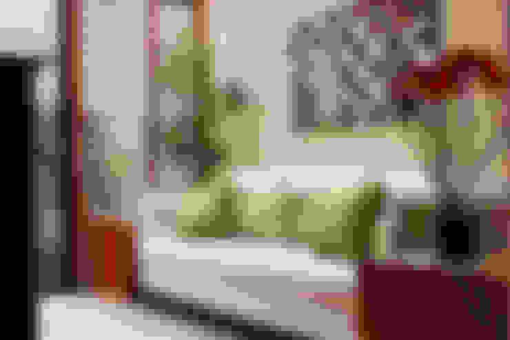 Salas / recibidores de estilo  por Spazio3Design