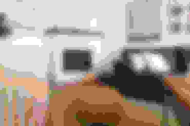 Projekty,  Salon zaprojektowane przez Become a Home