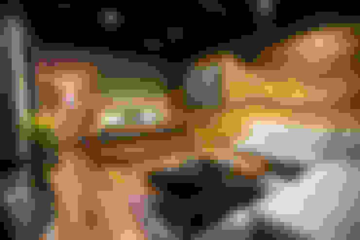 Dormitorios de estilo  por Con Contenedores S.A. de C.V.