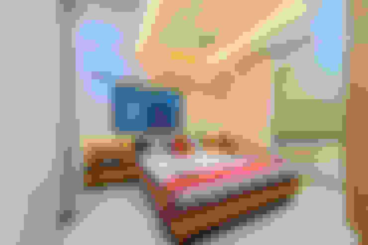 Bedroom:  Bedroom by Saar Interior Design