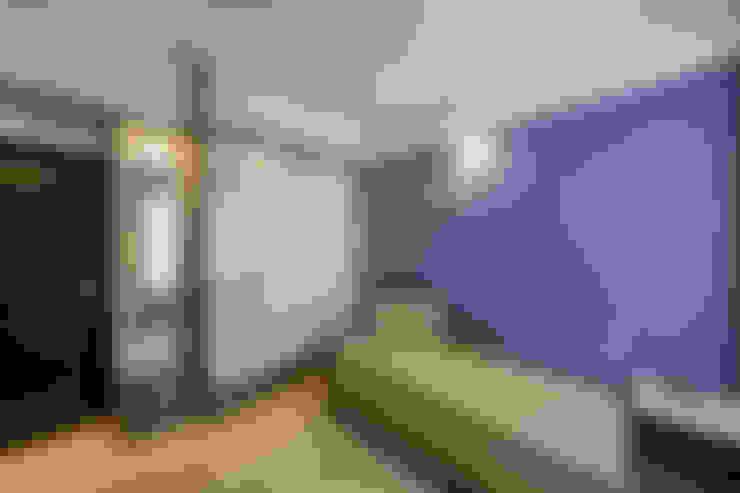 Phòng ngủ by Navmiti Designs
