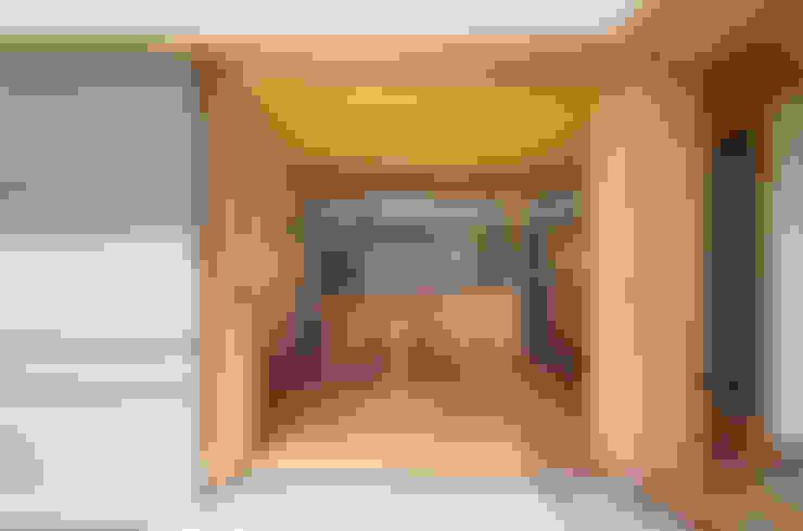 Dining room by AMI ENVIRONMENT DESIGN/アミ環境デザイン