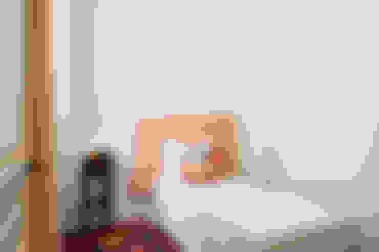 Dormitorios de estilo  por Markham Stagers