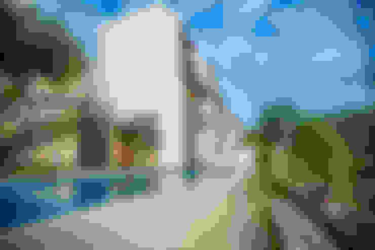 Houses by ICAZBALCETA Arquitectura y Diseño