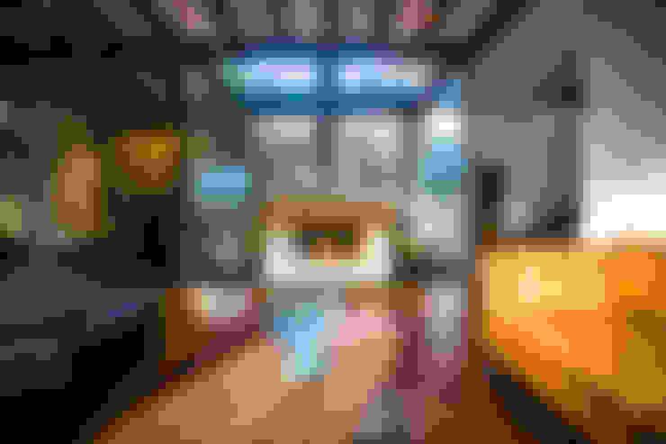 Living room by ICAZBALCETA Arquitectura y Diseño