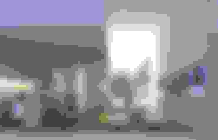 Duplex: Livings de estilo  por LIMMIT