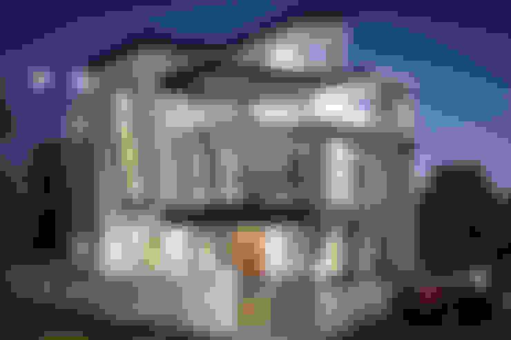 SADHWANI BUNGALOW:  Houses by Square 9 Designs