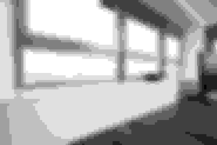 Appartment 1:  Fenster von Bauer Schranksysteme GmbH