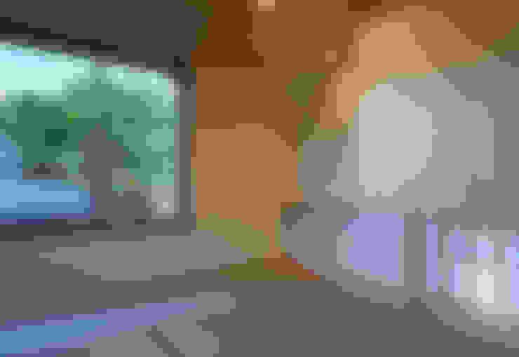 Projekty,  Pokój multimedialny zaprojektowane przez かんばら設計室
