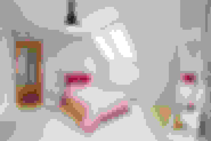 Dormitorios de estilo  de Biuro Projektów MTM Styl - domywstylu.pl