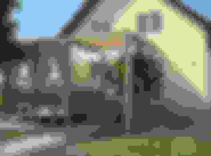 Веранда в коттедже: Tерраса в . Автор – DS Fresco