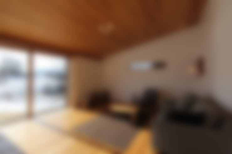 Living room by 藤松建築設計室