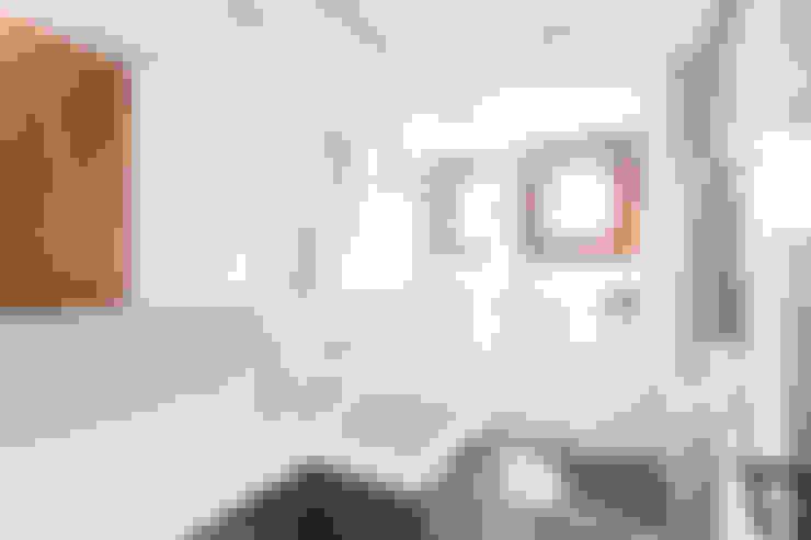 Baños de estilo  por Ateliê 7 arquitetura e design integrados