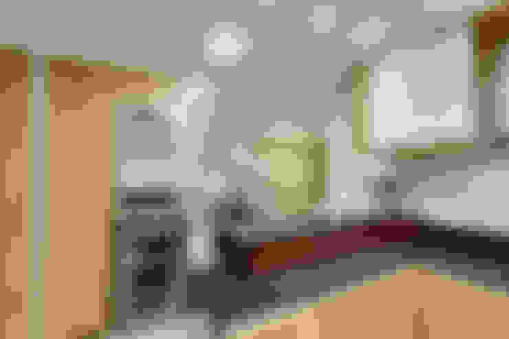 Cucina in stile  di Juliana Lahóz Arquitetura