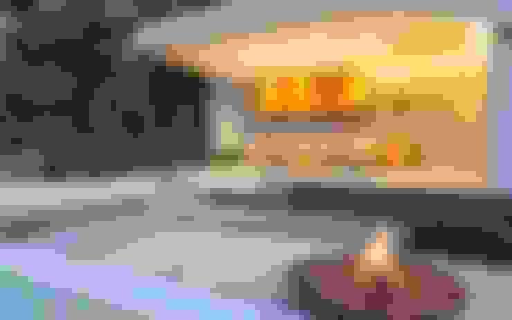 庭院 by Nico Van Der Meulen Architects
