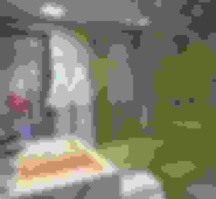 Bathroom by Monica Saravia