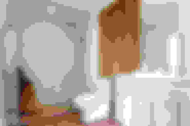 浴室 by Pixers