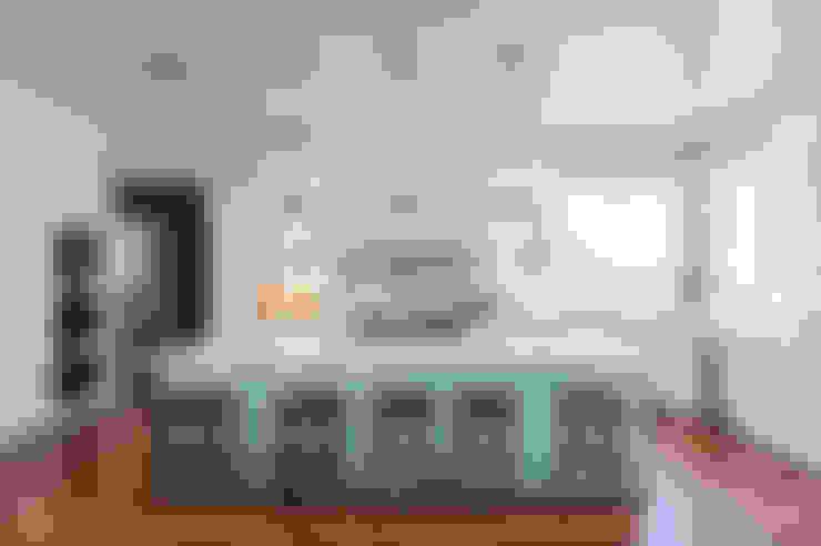 مطبخ تنفيذ Gracious Luxury Interiors