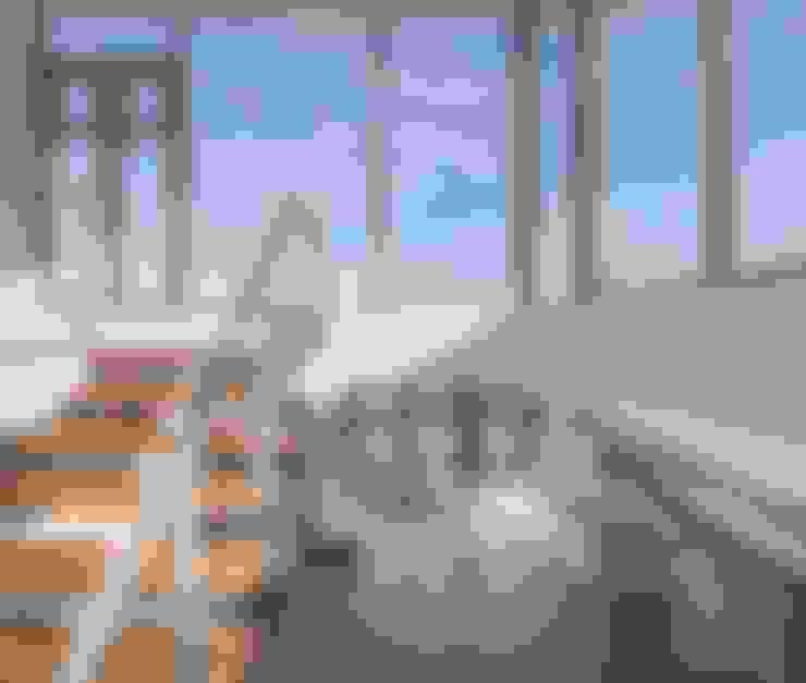 Couloir et hall d'entrée de style  par MARVIN FARR ARCHITECTS