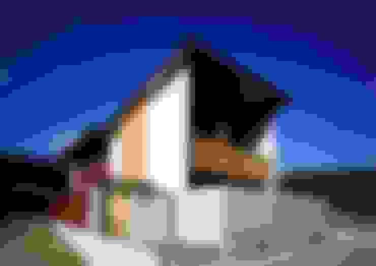 Rumah by 髙岡建築研究室