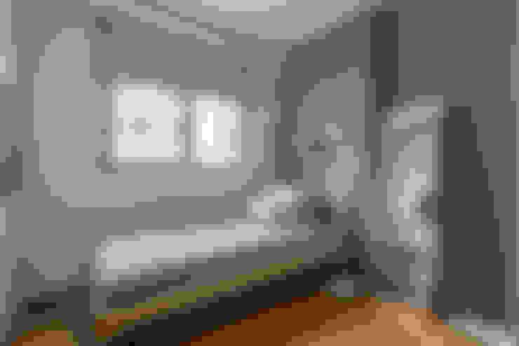 Bedroom by Eightytwo Pte Ltd