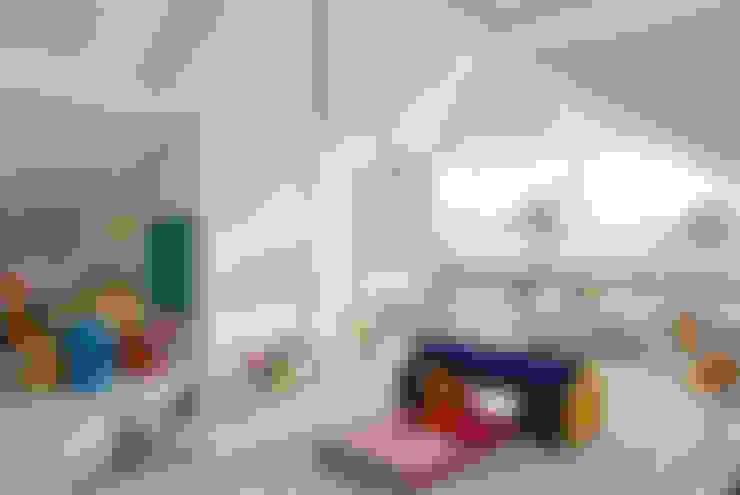 Nursery/kid's room by Amanda Miranda Arquitetura