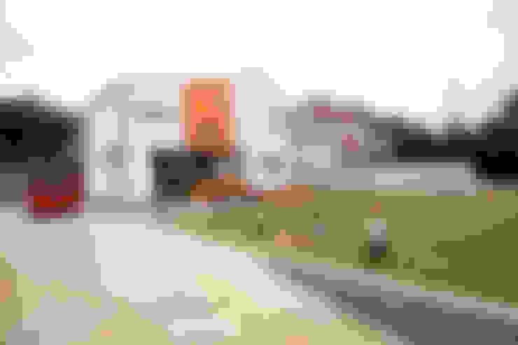 Giardino in stile  di 주택설계전문 디자인그룹 홈스타일토토