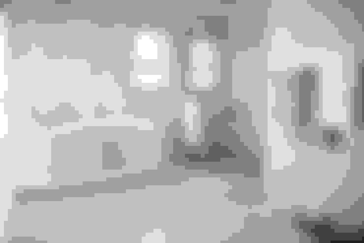 Salle de bains de style  par Rudman Visagie