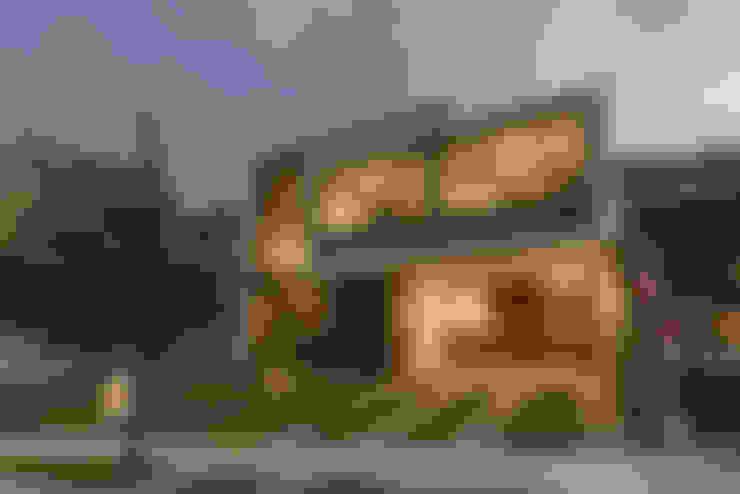 房子 by 2M Arquitectura