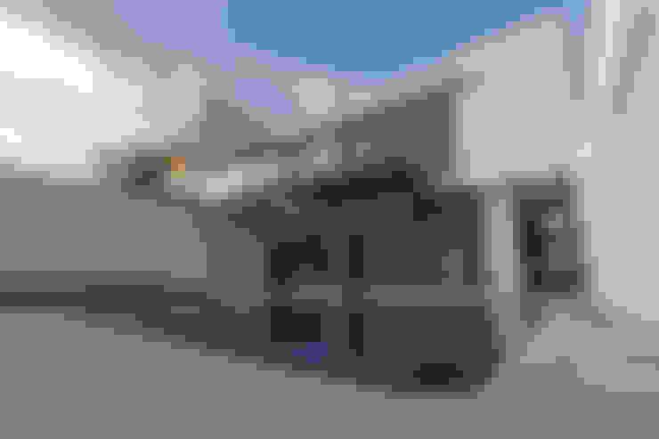Vistas del Sol: Albercas de estilo  por 2M Arquitectura