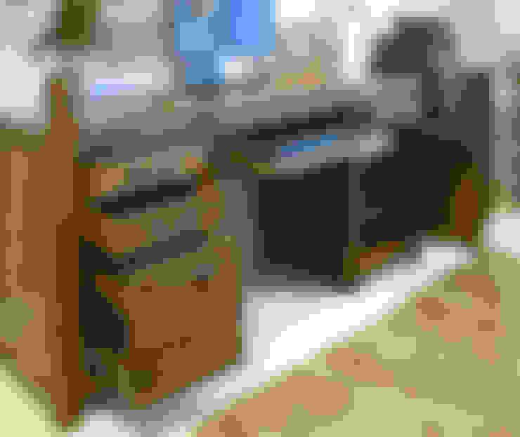 書房/辦公室 by The Wooden Furniture Store