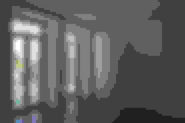 Salas / Cozinha ARH: Salas de estar  por QFProjectbuilding, Unipessoal Lda