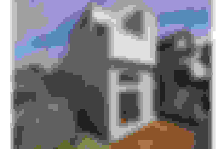 Houses by 桑原茂建築設計事務所 / Shigeru Kuwahara Architects
