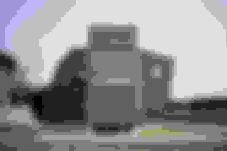 บ้านและที่อยู่อาศัย by 桑原茂建築設計事務所 / Shigeru Kuwahara Architects