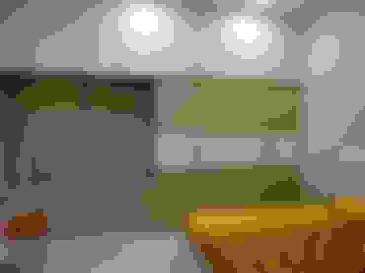 Dormitorios de estilo  por Hasta architects