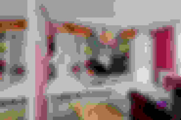 غرفة المعيشة تنفيذ MARIA MELNICOVA студия SIERRA