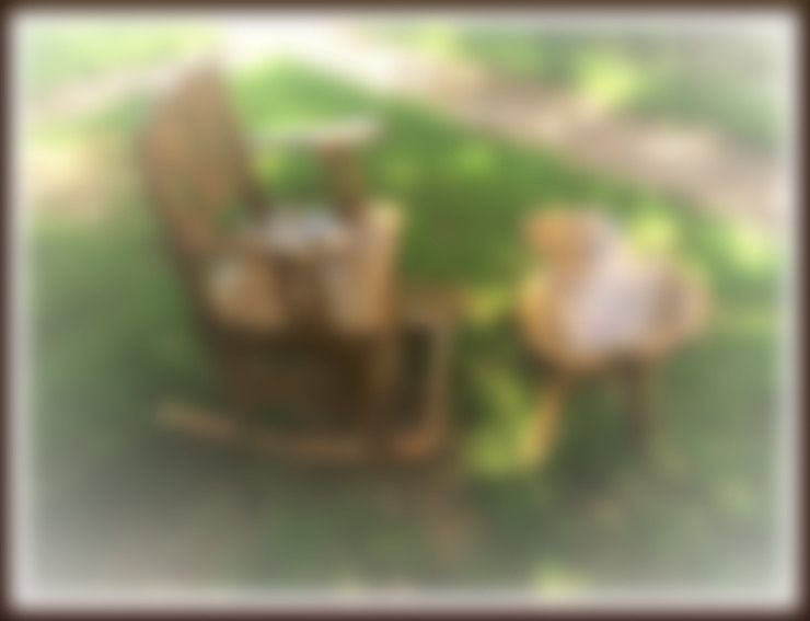 Coşkun Ahşap Dekorasyon – sallanan sandalye& ceviz sehpa:  tarz Bahçe