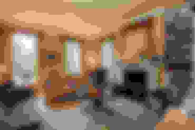 Ruang Keluarga by Des Ewing Residential Architects