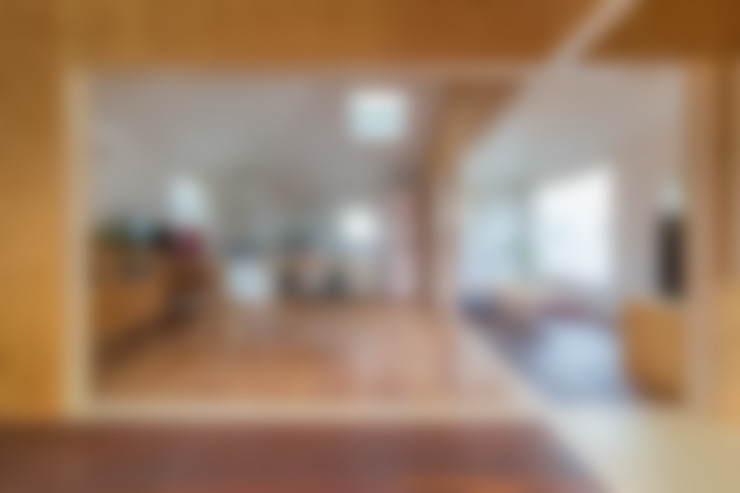Eetkamer door 水石浩太建築設計室/ MIZUISHI Architect Atelier