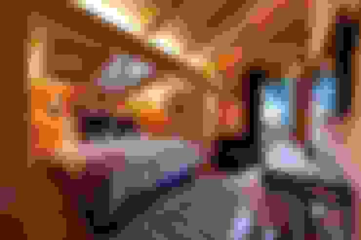 Dormitorios de estilo  por David Village Lighting