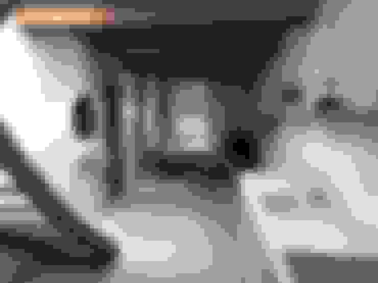 Ingresso & Corridoio in stile  di Claire de Bodinat / Archidesign