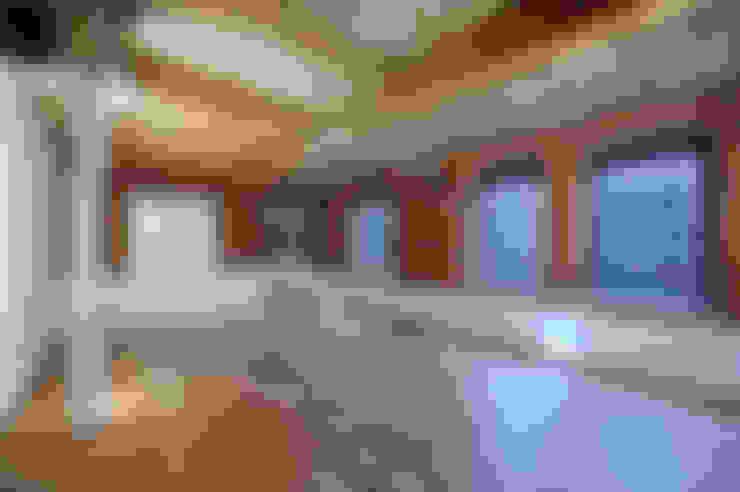 Ruang Keluarga by Studio Maurice Shapero